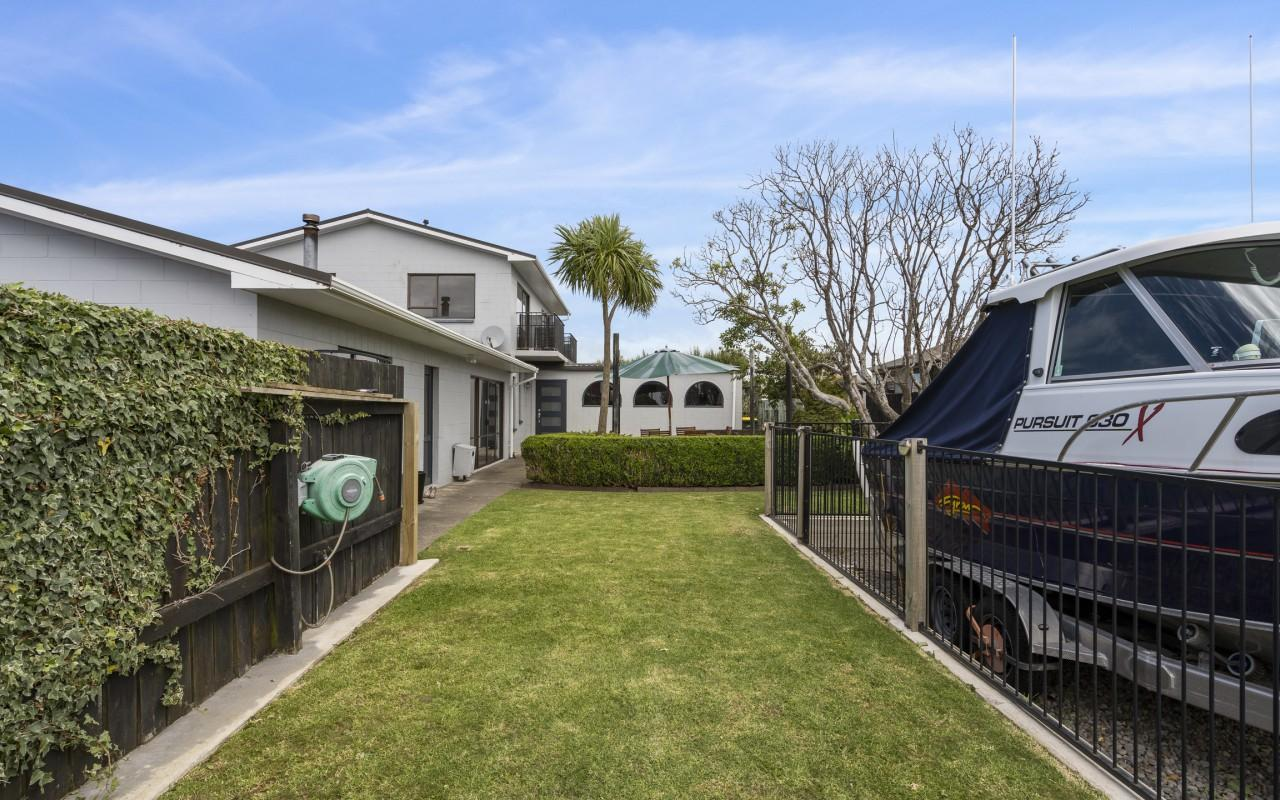 220 Parklands Avenue, Bell Block, New Plymouth