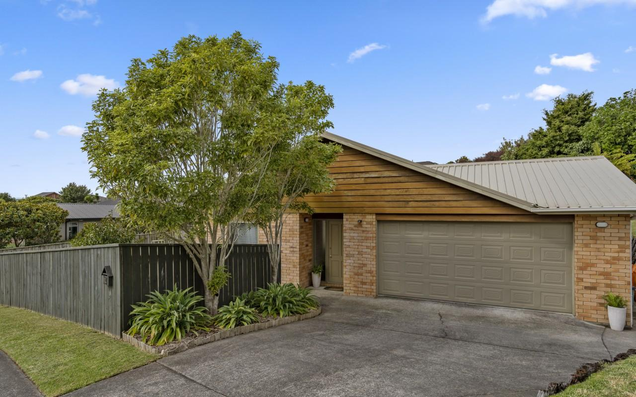 14 Maple Crescent, Whalers Gate, New Plymouth