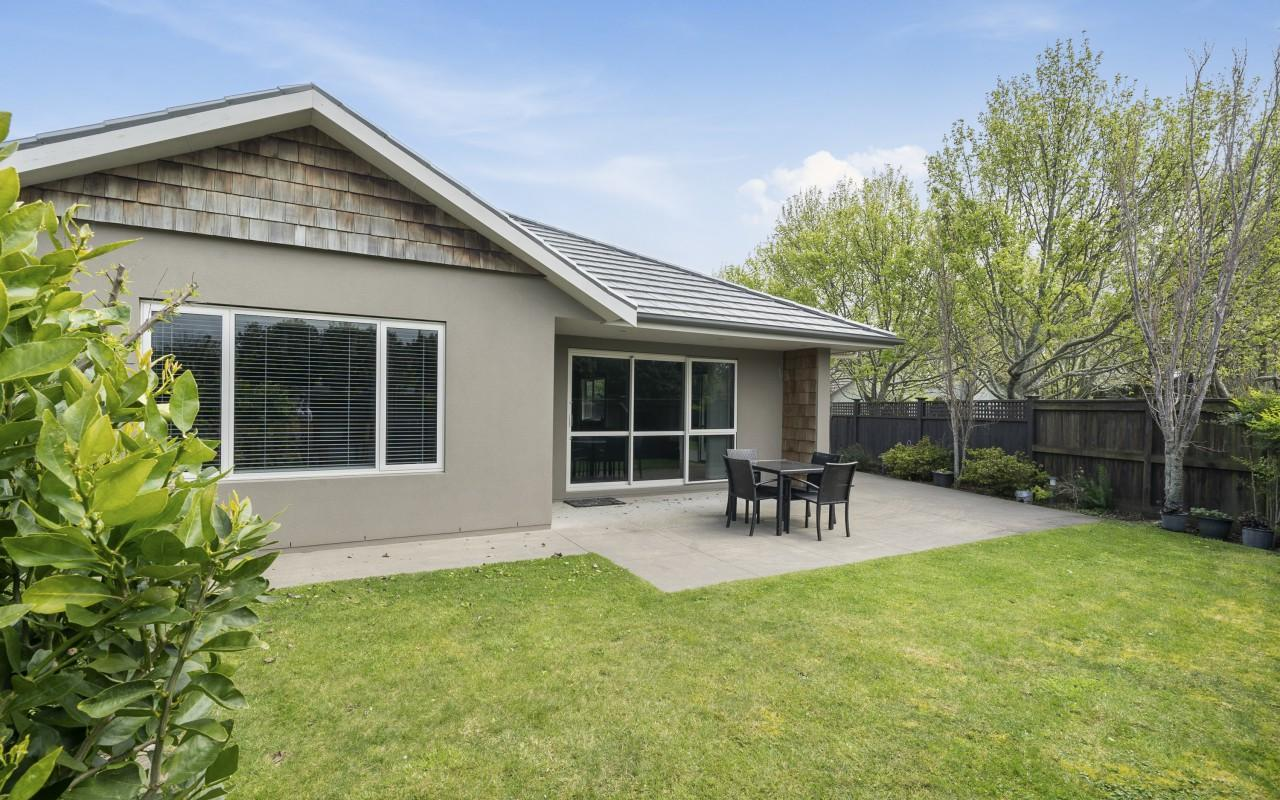 13 Portland Drive, Highlands Park, New Plymouth