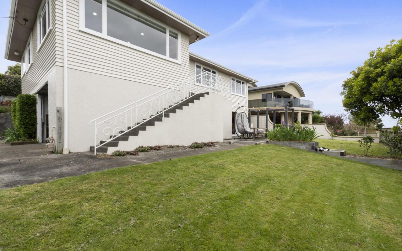 1 Fairfax Terrace, Frankleigh Park, New Plymouth