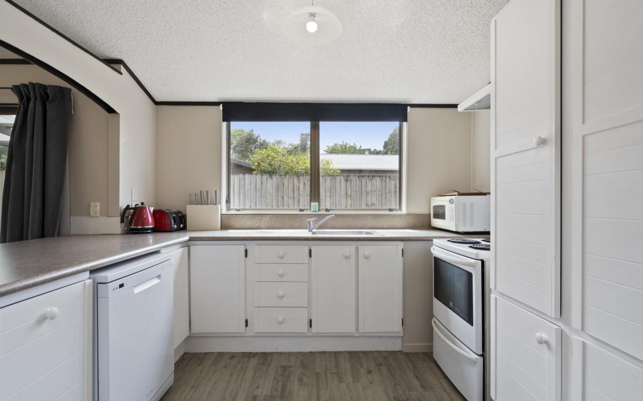 1 Cedar Place, Westown, New Plymouth