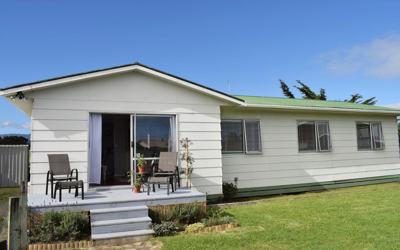 13 Simcox Street, Otaki Beach, Kapiti Coast