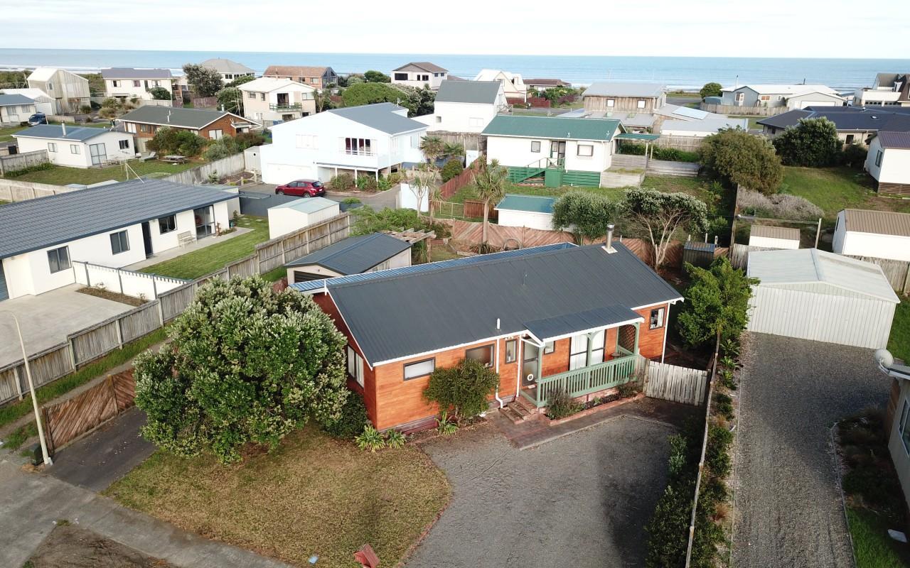 31 Scott Avenue, Otaki Beach, Kapiti Coast