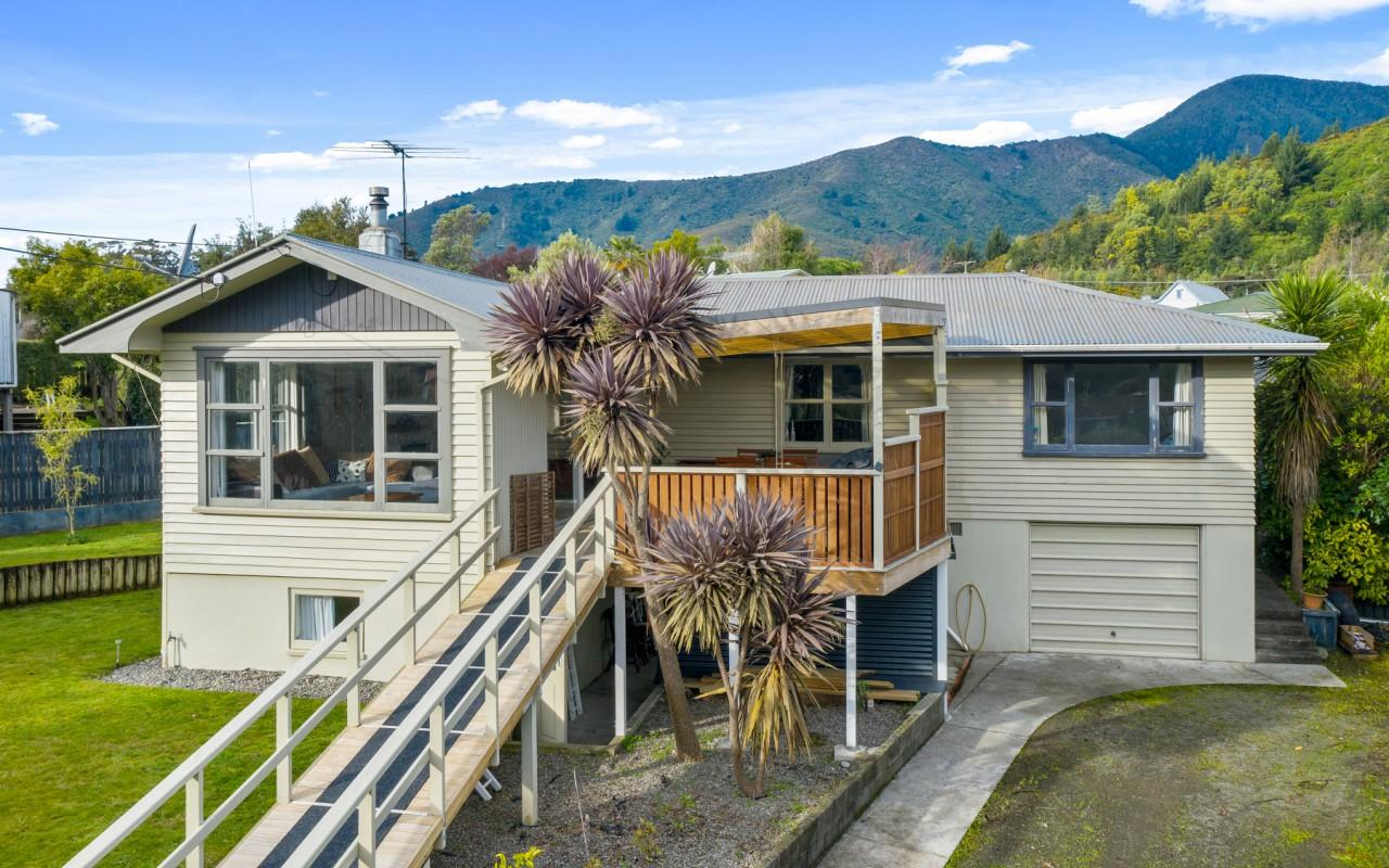 85 Hampden Street, Picton, Marlborough