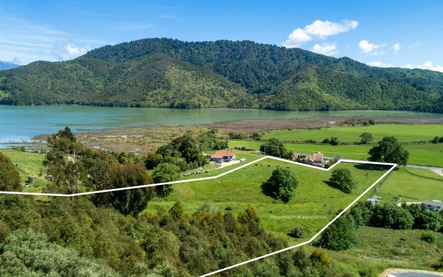 Lot 1 1128a Queen Charlotte Drive